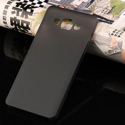 Ультратонкий пластиковый чехол для Samsung Galaxy J7 черный