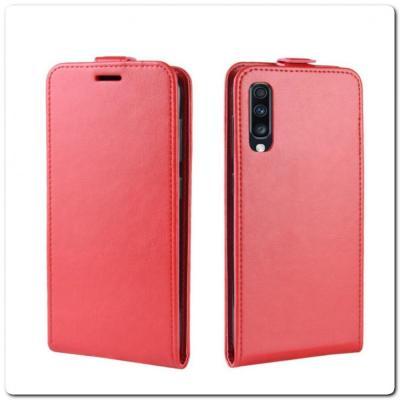 Вертикальный Чехол Книжка Флип Вниз для Samsung Galaxy A70 с карманом для карт Красный